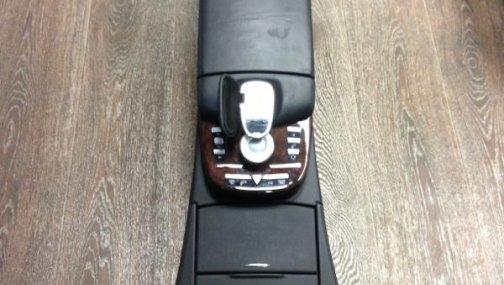 Консоль от Mercedes-Bens W221